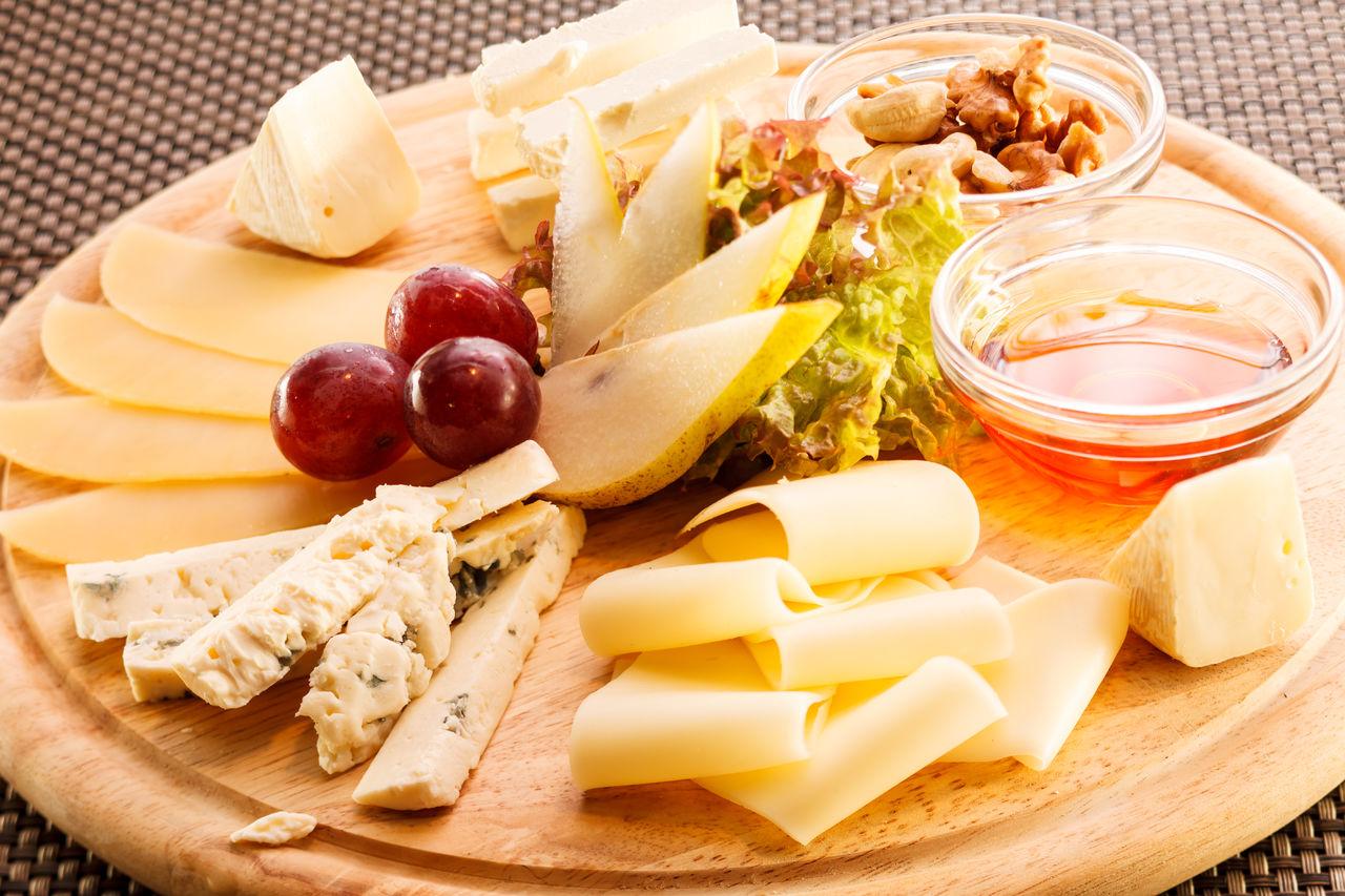 Лисицу сыр пленил… что нужно знать о сырном этикете